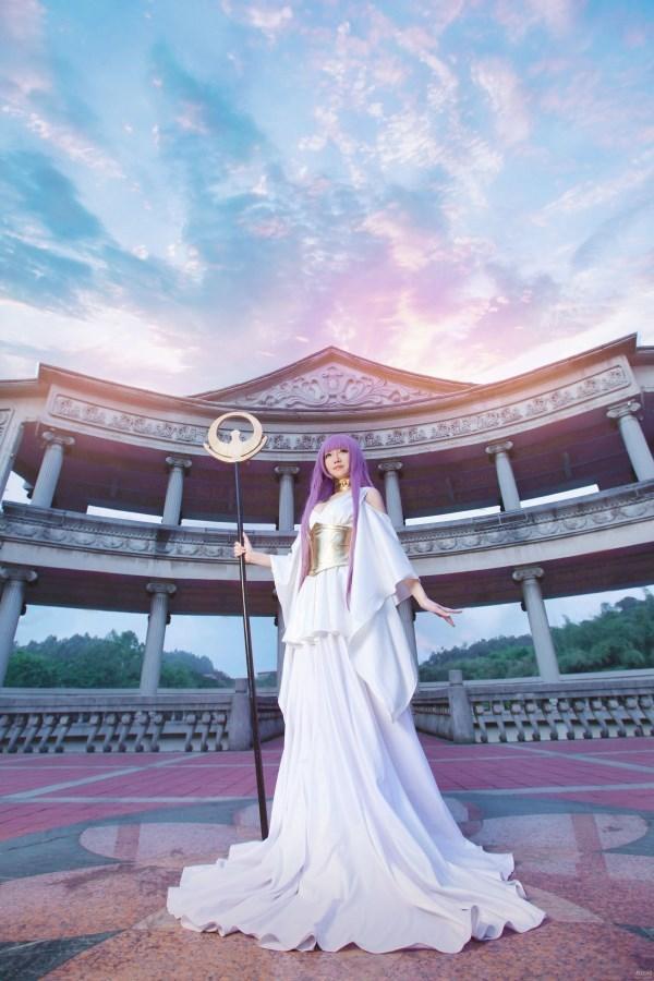 《圣斗士星矢》雅典娜COS 逆天巨乳太诱惑-第2张图片-梦月快巴